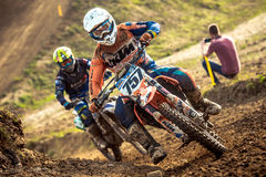 Cavaleiro indeterminado no campeonato polonês do motocross Foto de Stock