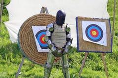 Cavaleiro na armadura imagens de stock royalty free