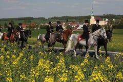 Cavaleiros da Páscoa de Sorbian em Lusatia superior, Saxony, Alemanha foto de stock royalty free