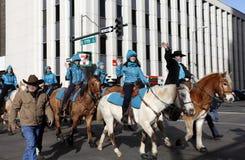 Cavaleiros do clube equestre na parada conservada em estoque ocidental nacional da mostra Fotos de Stock Royalty Free