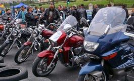 Cavaleiros do grupo da motocicleta fotos de stock