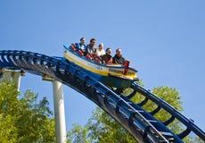 Cavaleiros do roller coaster Imagens de Stock