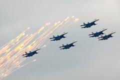 Cavaleiros do russo em SU-27 Fotografia de Stock