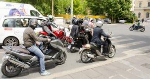 Cavaleiros do 'trotinette', Roma, Itália Imagem de Stock