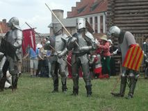 Cavaleiros Jousting no castelo teutonic Imagem de Stock Royalty Free