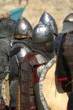 Cavaleiros na armadura de brilho/histórico Fotos de Stock