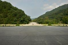 Cavalier de bicyclette, Hyangsan, Corée du Nord image stock