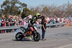 Cavalier de cascade de moto Image stock