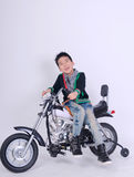 Cavalier de garçon de Moto images libres de droits