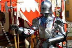 Cavaliere con la sua armatura Fotografia Stock