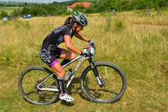 Cavaliere del mountain bike Fotografie Stock