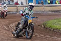 Cavaliere della gara motociclistica su pista Fotografia Stock Libera da Diritti