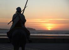 Cavaliere marocchino al tramonto Immagini Stock Libere da Diritti
