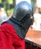 Cavaliere medievale prima della battaglia Immagini Stock