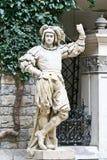 Cavaliere medievale Statue, castello di Peles, Sinaia, Romania Fotografia Stock