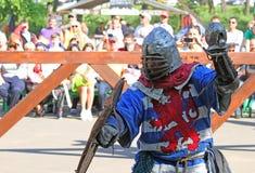 Cavaliere medioevale nella battaglia Fotografia Stock Libera da Diritti