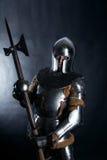 Cavaliere su fondo scuro fotografia stock libera da diritti