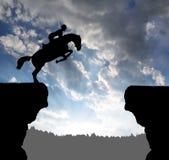 Cavaliere su un cavallo di salto Fotografia Stock Libera da Diritti
