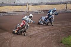Cavalieri della gara motociclistica su pista Immagini Stock