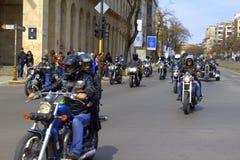 Cavalieri delle vie della città Fotografia Stock Libera da Diritti