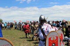 Cavalieri sulla tavola rotonda fotografia stock
