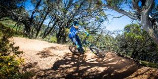 Cavaliers de vélo de montagne à Mt Buller Photo stock