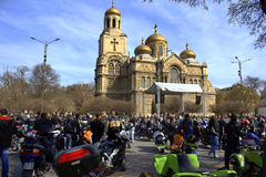 Cavaliers se réunissant, Varna Bulgarie Image stock