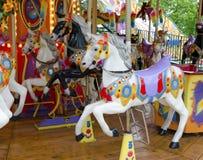 Cavalli di giro della zona fieristica Cavalli di carnevale Fotografia Stock