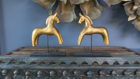 Cavalli di legno scolpiti decorativi Immagini Stock Libere da Diritti