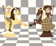 Cavalli poco bianchi e neri di scacchi Immagine Stock