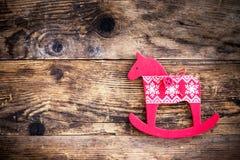 Cavallino rosso dell'ornamento di Natale Immagini Stock