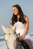 Cavallo da equitazione della donna Fotografie Stock
