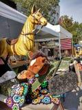 Cavallo a dondolo d'annata e cavallo di legno, via giusta, Rutherford, New Jersey, U.S.A. di festa del lavoro Fotografia Stock