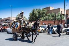 Cavallo e carretto (via di Marrkech) Fotografia Stock Libera da Diritti