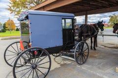 Cavallo e carrozzino della contea di Lancaster Amish fotografia stock