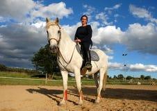 Cavallo e donna Fotografie Stock