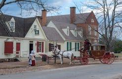 Cavallo e trasporto in coloniale Williamsburg fotografia stock libera da diritti