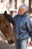 Cavallo governare della donna immagine stock libera da diritti