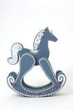 Cavalo de balanço de madeira azul imagem de stock