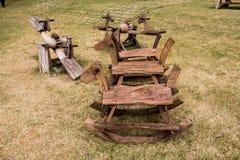 Cavalo de balanço e balanço de madeira Fotografia de Stock