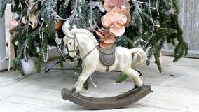 Cavalo de balanço do vintage vídeos de arquivo