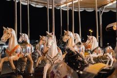 Cavalos do carrossel na feira foto de stock