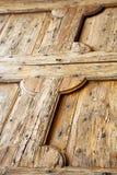 Cavaria резюмирует knocker в двери деревянной Ломбардии Италии Стоковое Фото