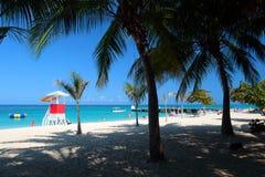 Cave Beach Club,蒙特哥贝,牙买加医生的储蓄图象 免版税库存图片