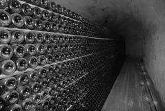 Cave d'établissement vinicole criméen sur l'intérieur. images libres de droits