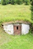 Cave dans le village Dedinky en Slovaquie image libre de droits