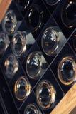 Cave de bouteille de vin photos libres de droits