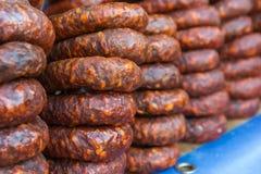 Cave de jambon de chorizo photographie stock libre de droits