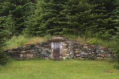 Cave de racine dans Elliston, Terre-Neuve images stock