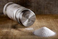 Cave de sel et sel renversé photo stock